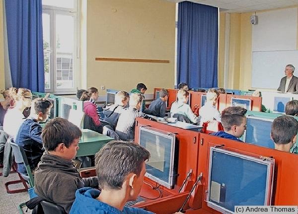 Multi-Media-Klassenraum (MMK-02) - Routine bilden durch besonders ausgestattete Klassenräume