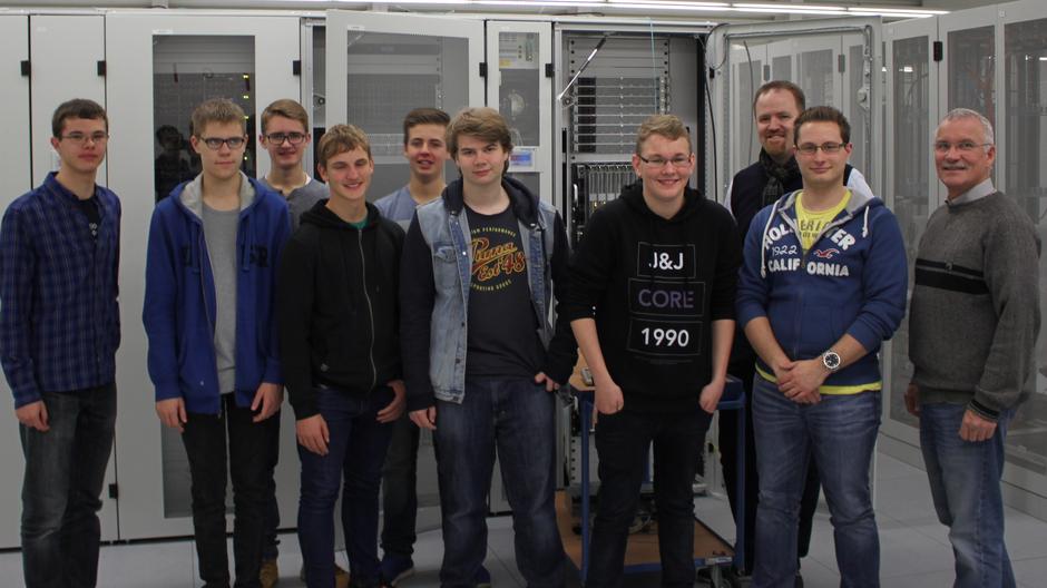 Im Land der Superlative - HGG-Medien AG besucht neuen Supercomputer-Cluster der RWTH Aachen
