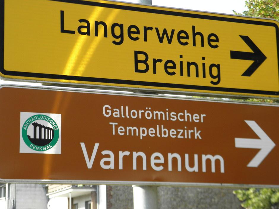 Hinweisschild im Ortszentrum von Kornelimünster