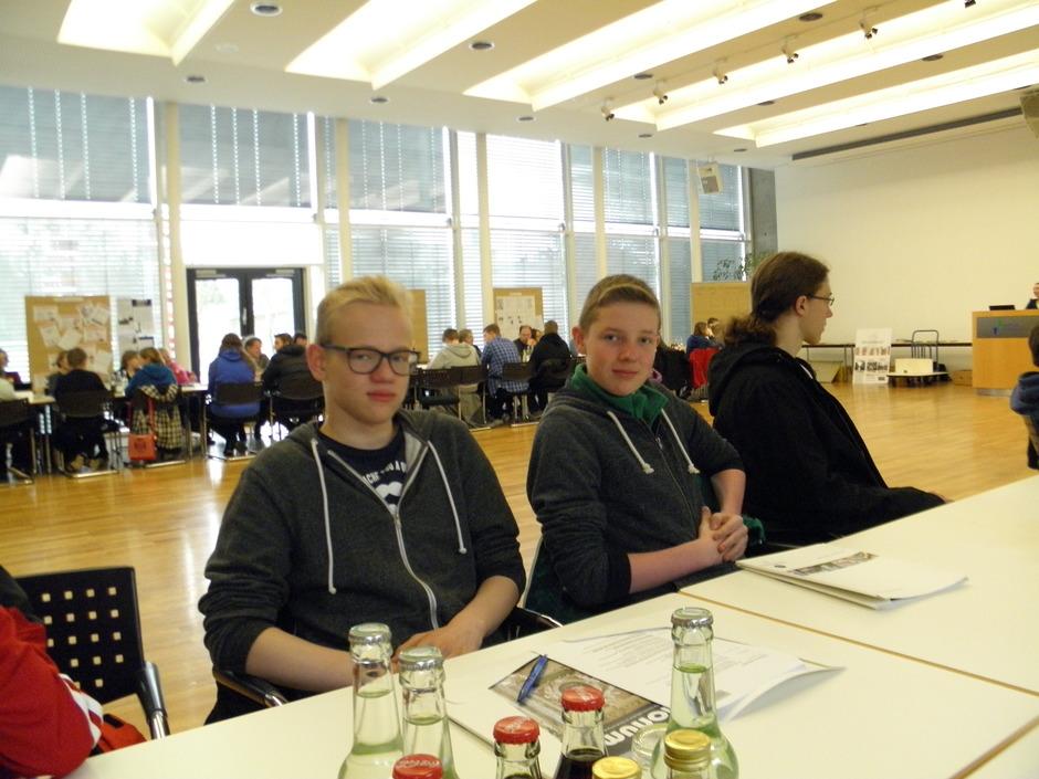 Zum offiziellen Erfahrungsaustauschtreffen in Feuchtwangen (Bayern) wurden auch Schüler der 80 Schulen aus ganz Deutschland eingeladen.