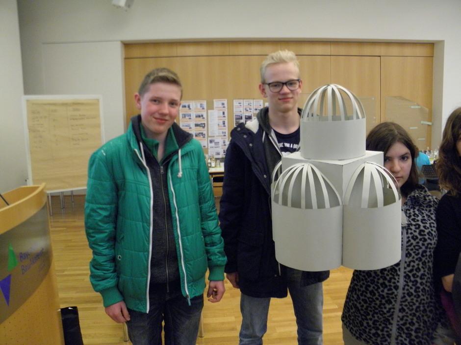In eigenen Workshops lernte die Schüler Handwerkstechniken und Rekonstruktionsmethoden kennen.