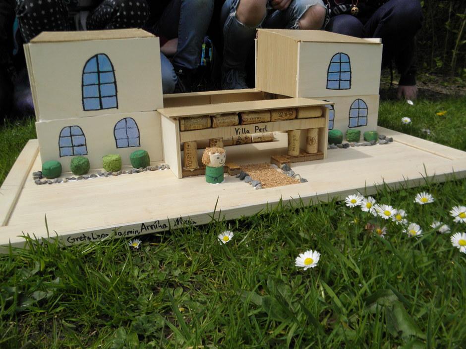 Die anschließend hergestellten Villa-rustica-Modelle wurden kreativ gestaltet.