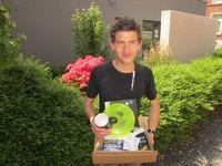 Thomas mit dem Überraschungspaket aus Berlin