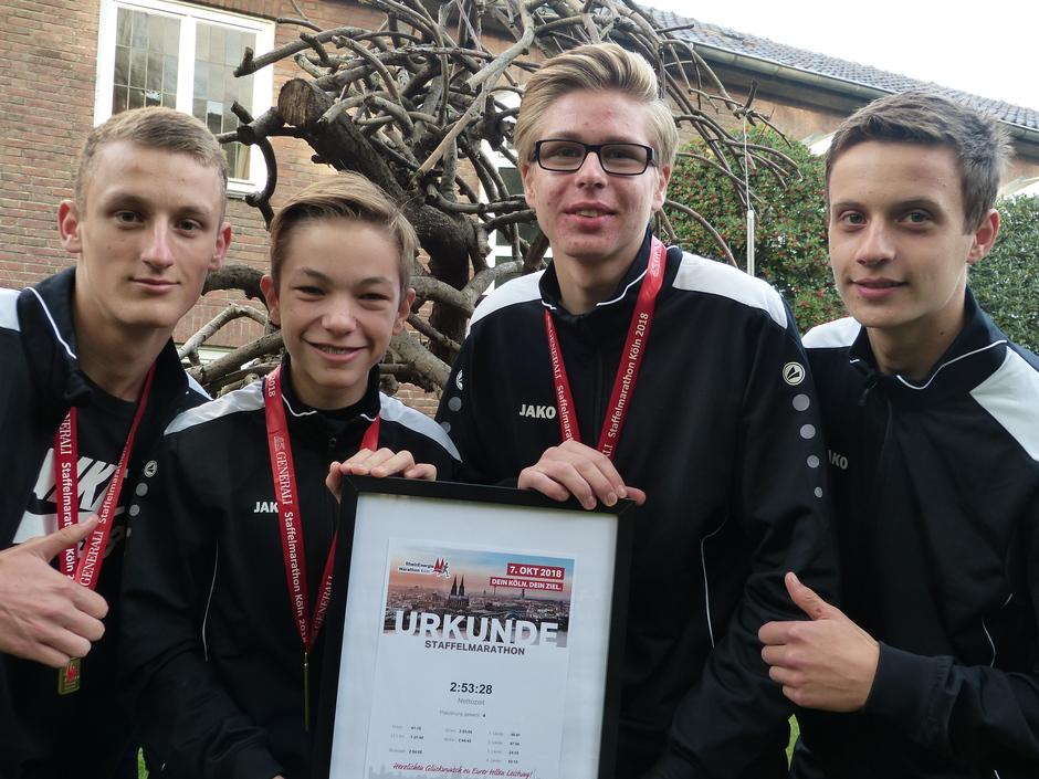 Die vier Musketiere - Platz 1 der Marathonstaffeln in der Schulwertung