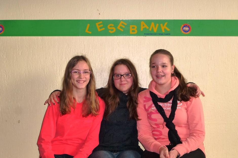 Laura Heibeyn, Eileen Bales und Celina Finken aus der 9d