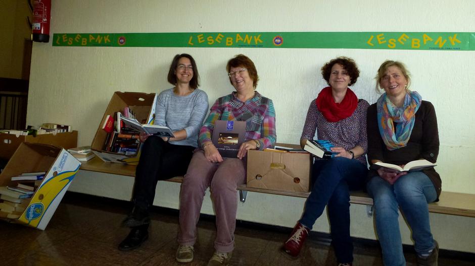 Frau Portheine, Frau Körlings, Frau Schulze, Frau Müller