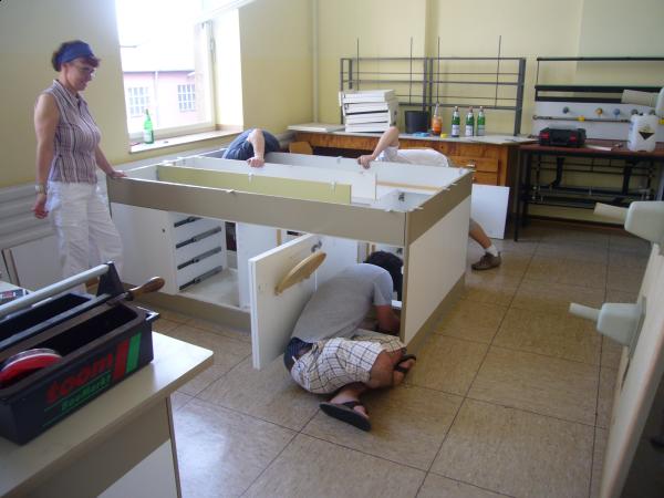 Beim Abbau der Möbel ergaben sich völlig neue Einblicke in die Chemie...