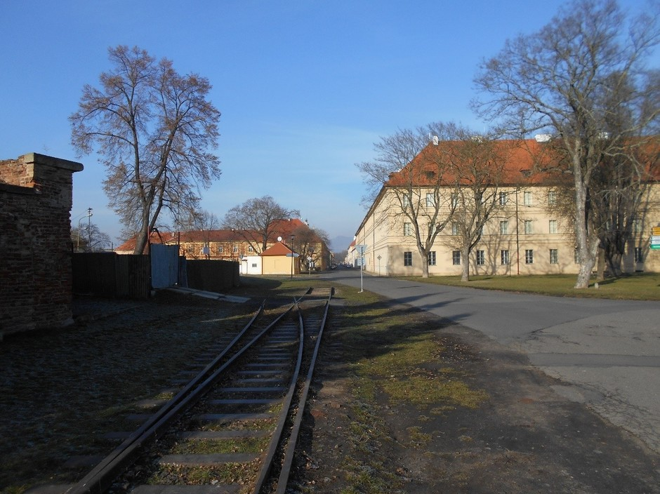 Bahngleis im Ghetto Theresienstadt, von dem aus die meisten Insassen nach Auschwitz deportiert wurden.
