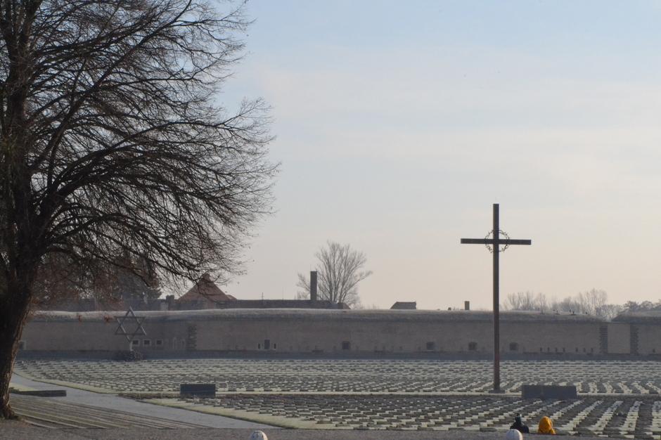 Blick auf die Gedenkstätte des Konzentrationslagers in der kleinen Festung in Theresienstadt