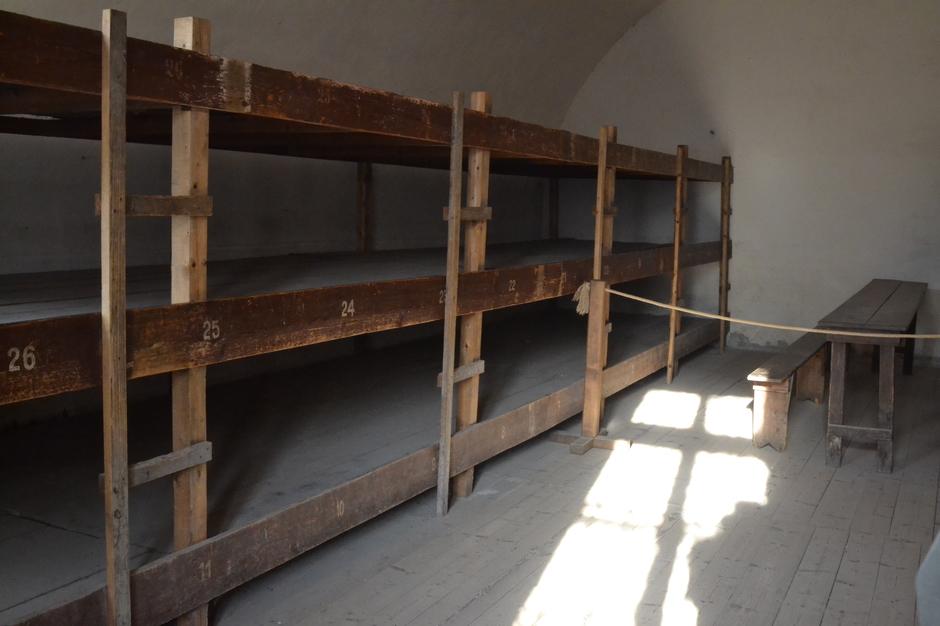 Blick in eine Zelle des Konzentrationslagers
