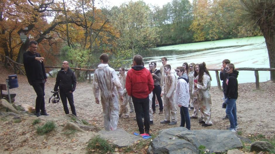 Besprechung mit Zombies