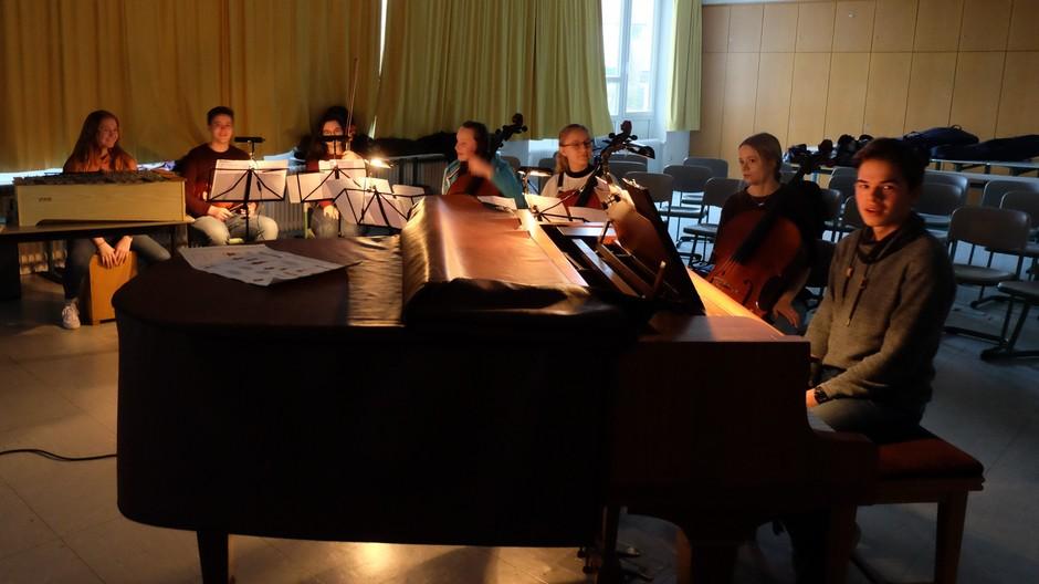 Die Musiker und Musikerinnen
