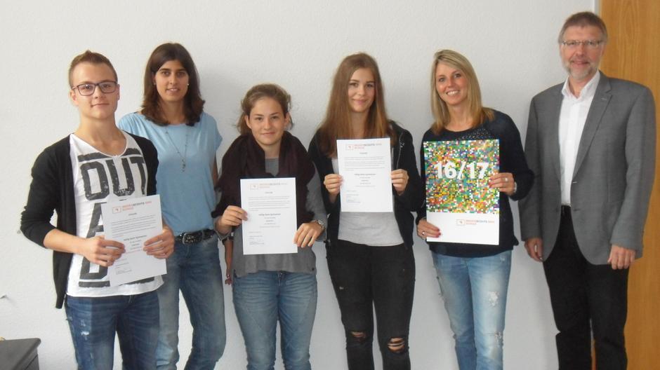 """HGG erhält das Abzeichen """"Medienscouts NRW-Schule 2016/2017"""""""