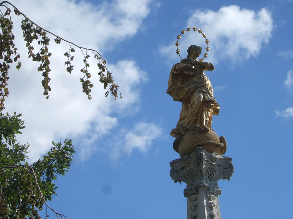 Maria im Sternenkranz