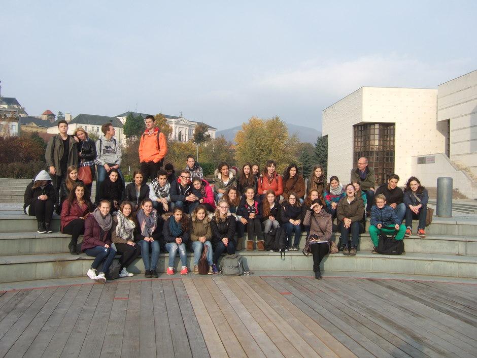 Vor dem Theater von Nitra